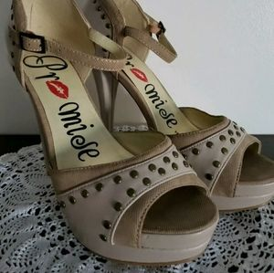 Promise ~ Size 8 ~ Tan ~ Open Toe ~ Platform Shoes